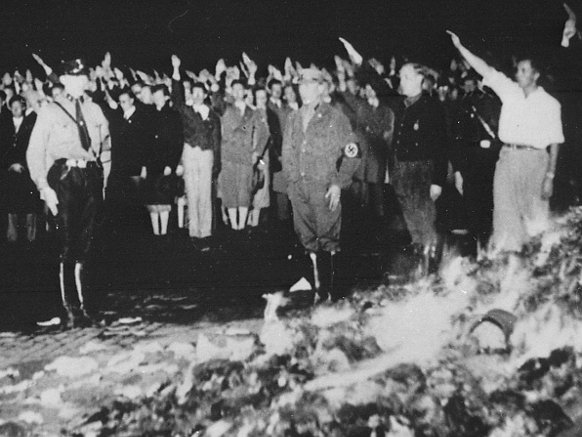 nazi book burning Books burned would be books that were considered dangerous to the nazi regime of another political point of view or if they written by jews like any authoritarian regime or authoritarian group, no doubt islamic state are doing the same in the mi.