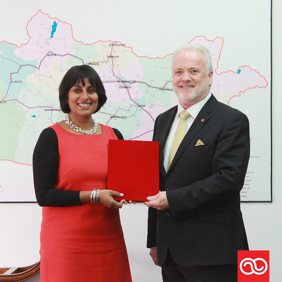 David Holiday, CEO, Mobicom Corporation and Gitanjali Bhattacharya, Programme Manager for ZSL's South and Central Asia