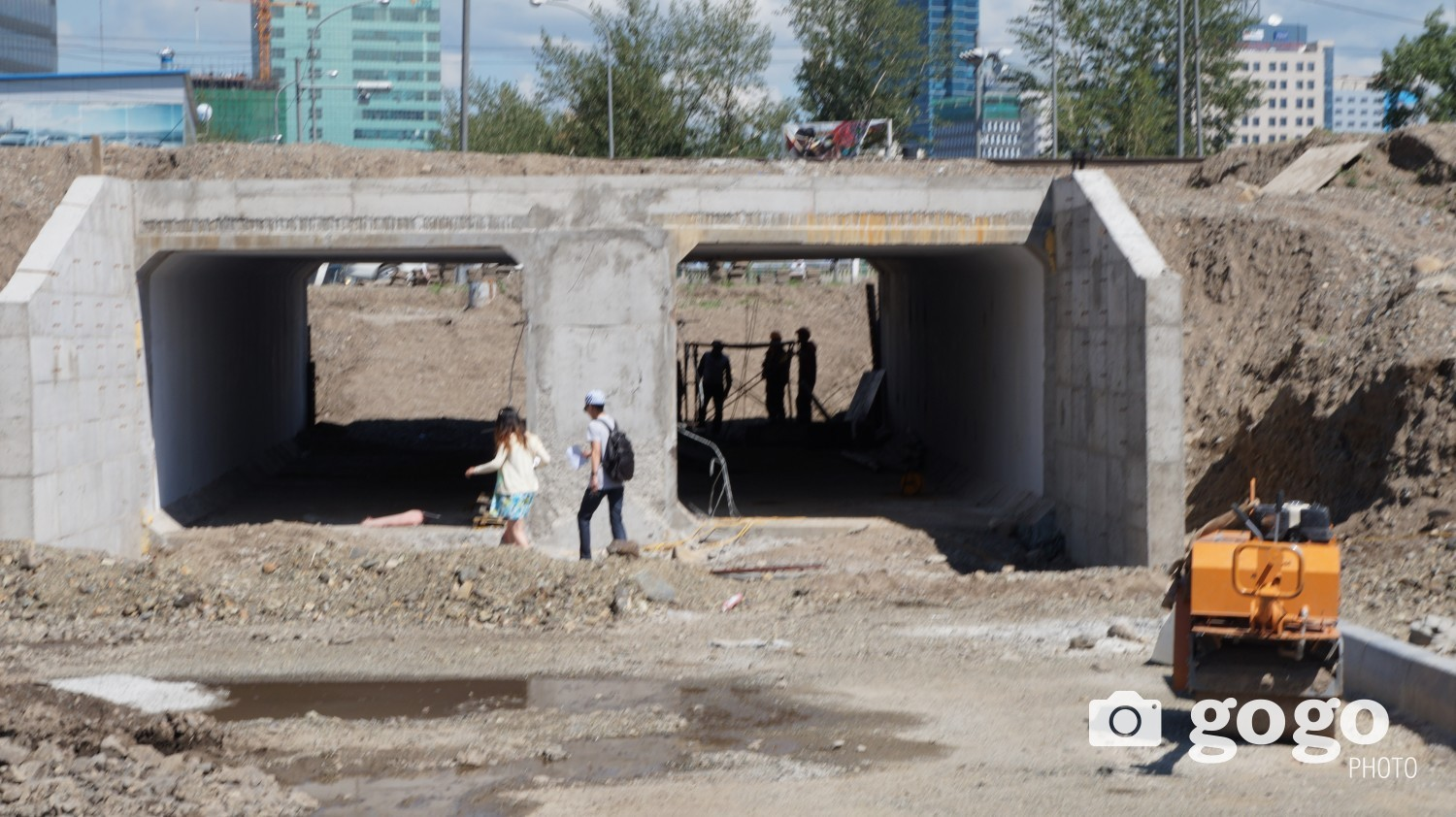 Due to height of the tunnel is 2.3 meter, only jeeps and small vehicles are available.
