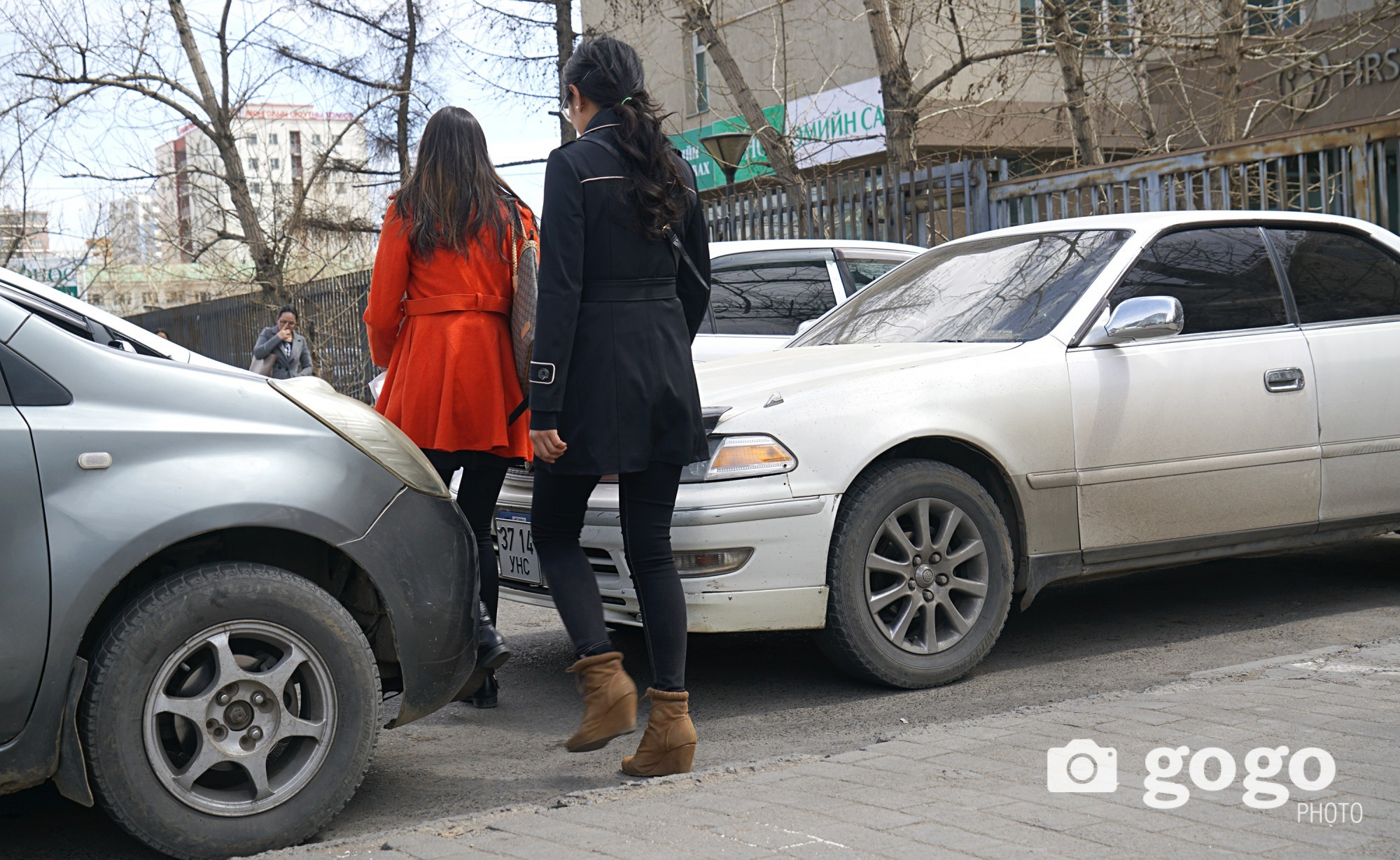 Pedestrian located in north of 1st maternity health center. Too cramped Ulaanbaatar... /2017.04.22/